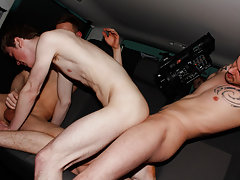 tall huge muscle on tiny twink gay porn