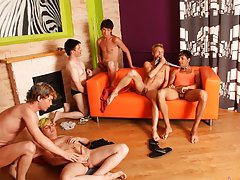 gay travel in group