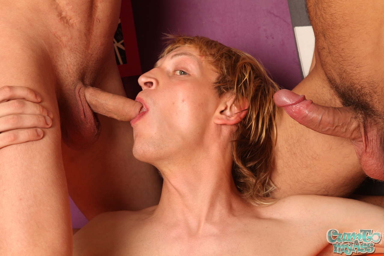 Sucking my first gay dick